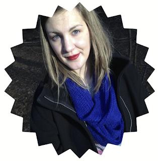 Laura van Achttien zet een cirkelbrief op