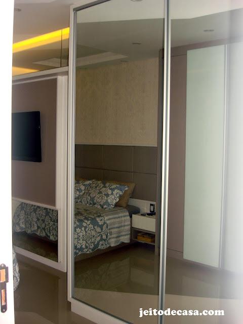 portas-espelhadas-guarda-roupas-suite