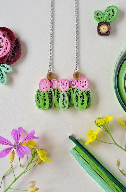 Quilling: handmade NECKLACE