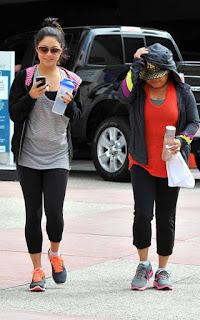 Vanessa Hudgens Con Madre