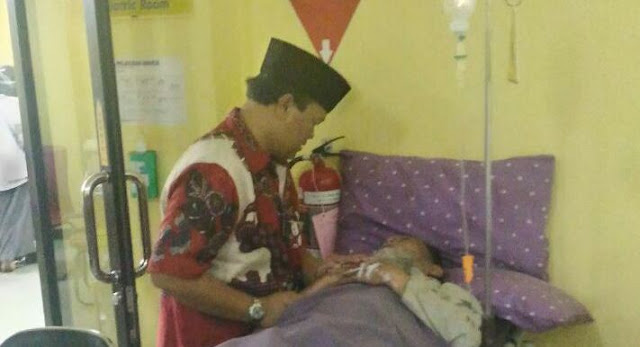 HNW Jenguk Ustadz Mashadi, Mohon Doa Untuk Kesembuhanya