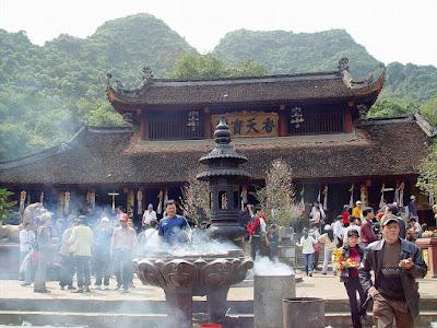 Khu du lịch tâm linh Chùa HƯơng