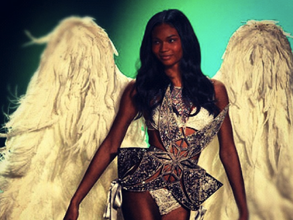 The Victoria's Secret 2012 Fashion Show Pictures with Rihanna