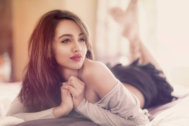 tejaswi madivada latest hot photos 2017