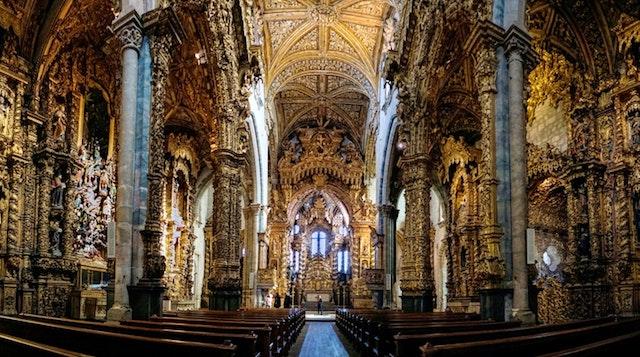 Interior Igreja São Francisco no Porto