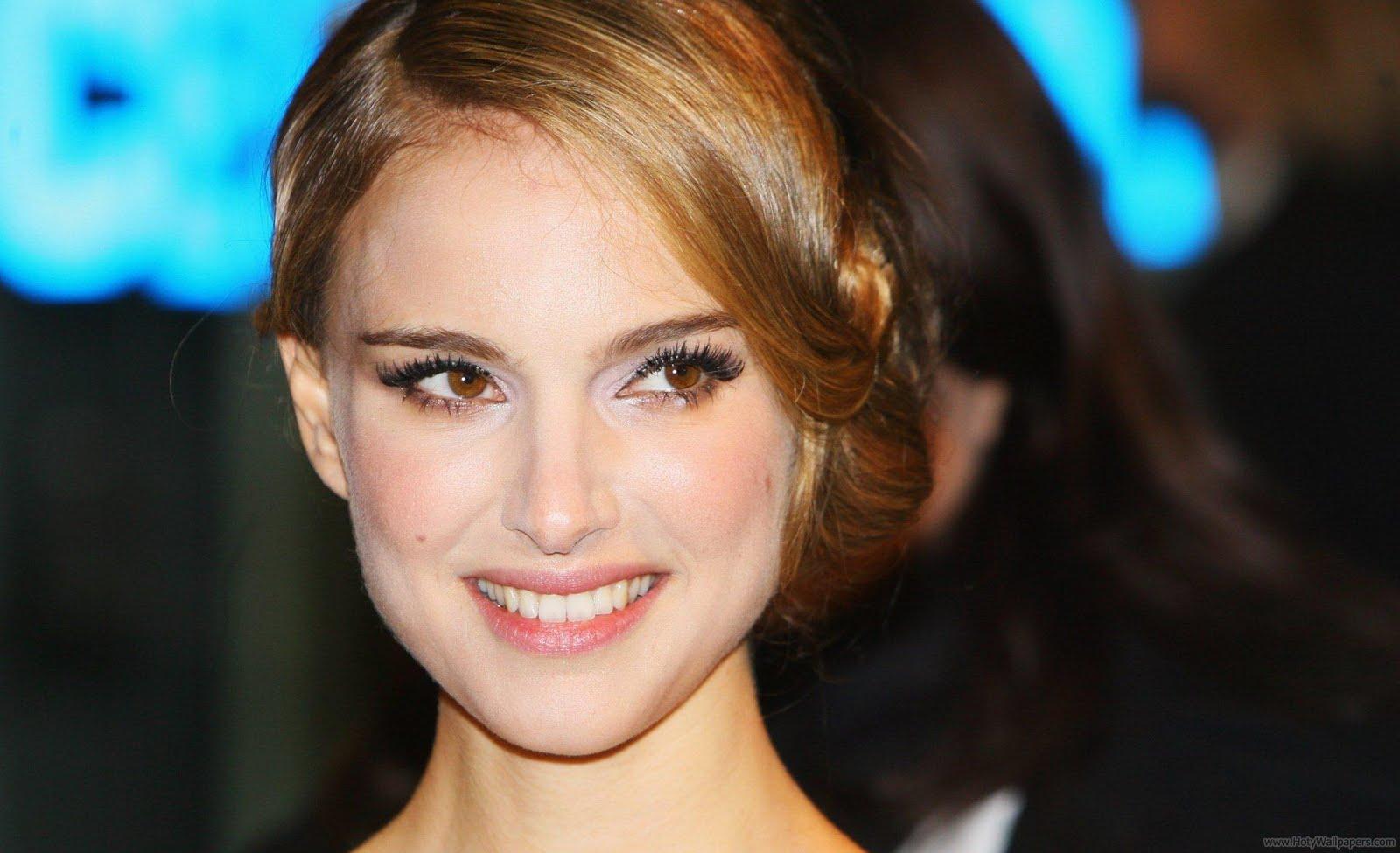Natalie Portman Hollywood Wallpapers: Natalie Portman Bio & Wallpapers
