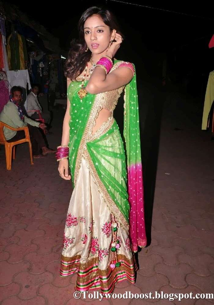 Telugu Actress Vithika Sheru Stills In Green Half Saree