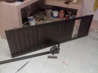 Pintu-Kamar-Mandi-Aluminium-Coklat