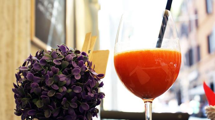 Wallpaper: Drinking Fresh Orange