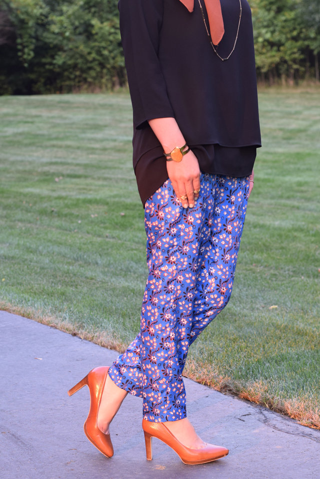A Day In The Lalz; J. Crew Vintage Scarf Print Pant; Fall Fashion; Hijab Style; Fashion Blogger; Karen Walker Super Dupe; Kate Spade Beau Bag;