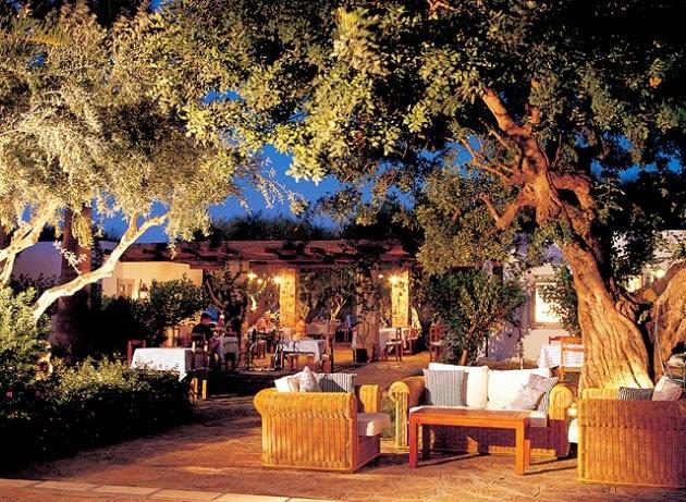 http://www.eloundabeach.gr/gr/dining-hotel-crete/restaurants/dionyssos-restaurant.aspx
