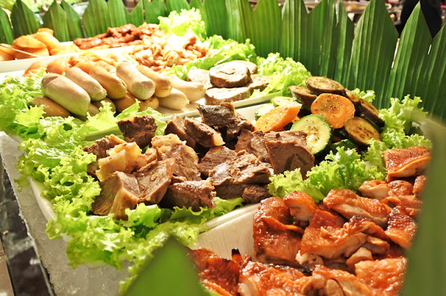 Buffet Dinner Gumaya Tower Hotel Semarang