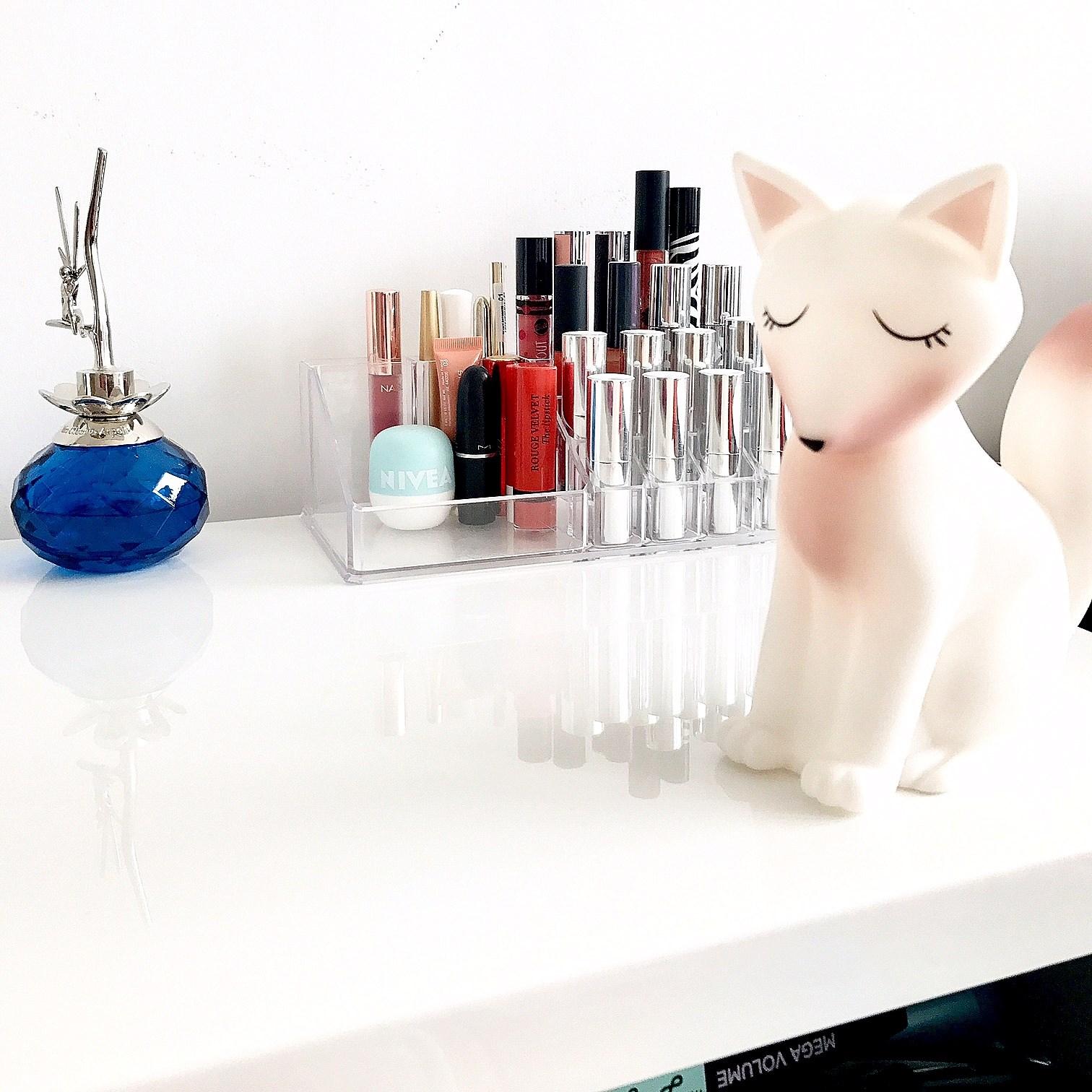 zdjęcie przedstawiające organizer na kosmetyki