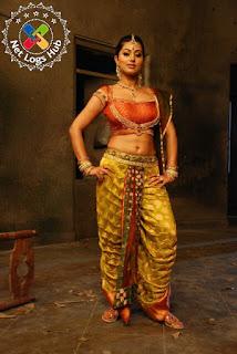 South Indian Actress Sneha Hot Navel Pics in Ponnar Shankar Movie - NetLogsHub