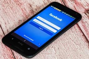 Loging On Facebook