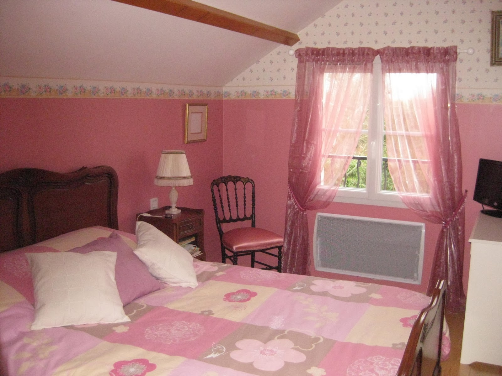 Dormitorio principal color rosa dormitorios colores y - Papel pintado dormitorio principal ...