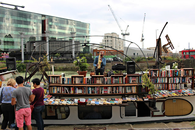 Books on a barge, Kings Cross