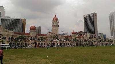 Merdeka Square - Paket Singapore Malaysia Periode Lebaran 2018 - Salika Travel