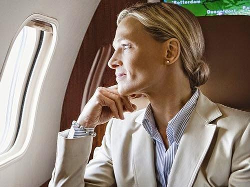 Cách khắc phục các vấn đề về sức khỏe khi đi máy bay