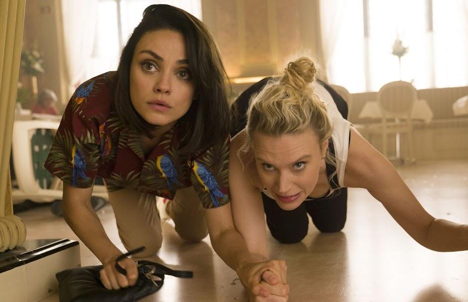 """Mila Kunis e Kate McKinnon no trailer da comédia de ação """"Meu Ex É Um Espião"""""""
