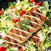 Como construir uma salada rica e nutritiva.