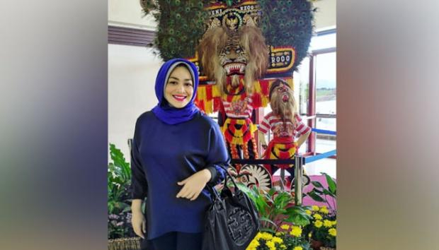 Berat Badan Turun 80 Kilogram, Penampilan Terbaru Dewi Hughes Bikin Pangling