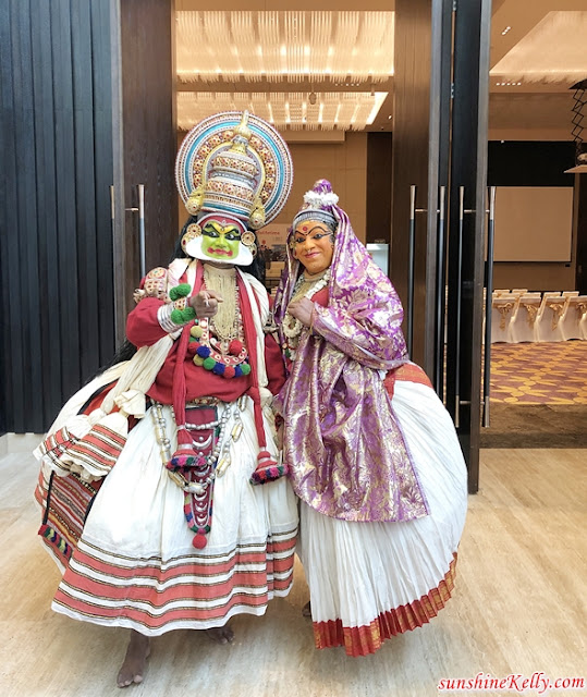 Explore Kochi, The Gateway to Kerala, AirAsia, Kochi, India, St. Francis Church, Spice Road, Jew Street, Matancherry, Fort Kochi, Muziris Biennale, Chinese Fishing Net, Kathakali Dancers Performance, Holi Festival in India, Grand Hyatt Kochi Bolgatty, Travel