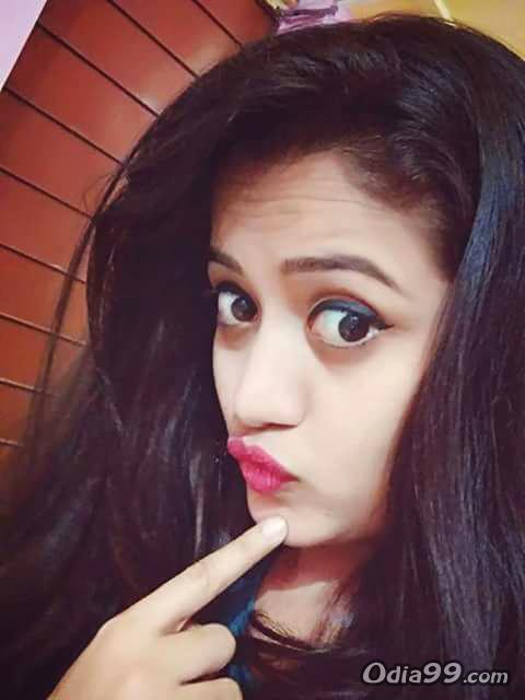 Elina Samantray Hd Photo, Age, Upcoming Movie, Mobile Number, Education, Wiki, Family Address -1111