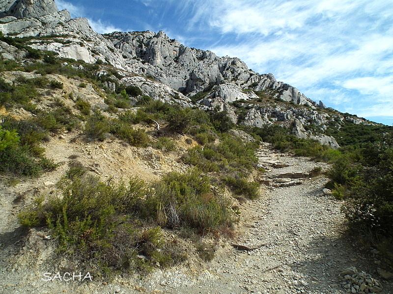 Chemins et jardins chapelle ermitage de st ser montagne for Le jardin des 5 sens aix en provence