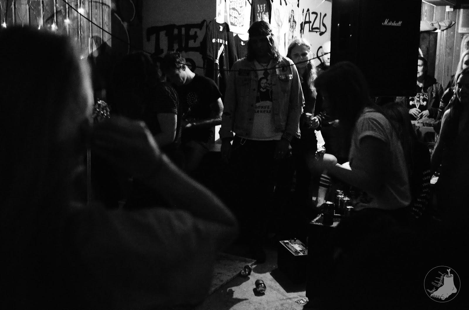 Fraggelberget: Hag, Gestures & Axe Rash