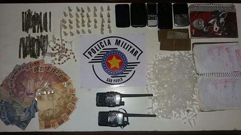 POLÍCIA MILITAR DE JUQUIÁ PRENDE 5 HOMENS EM OPERAÇÃO NA VILA SANCHES