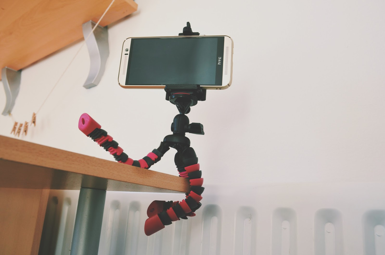 YT Club Tripod review bendy bloggers
