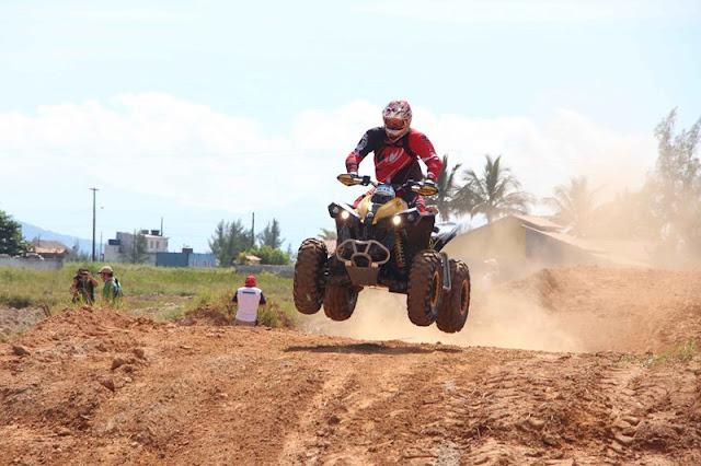 Deninho Casarini foi o campeão entre os UTVs do Rally da Ilha