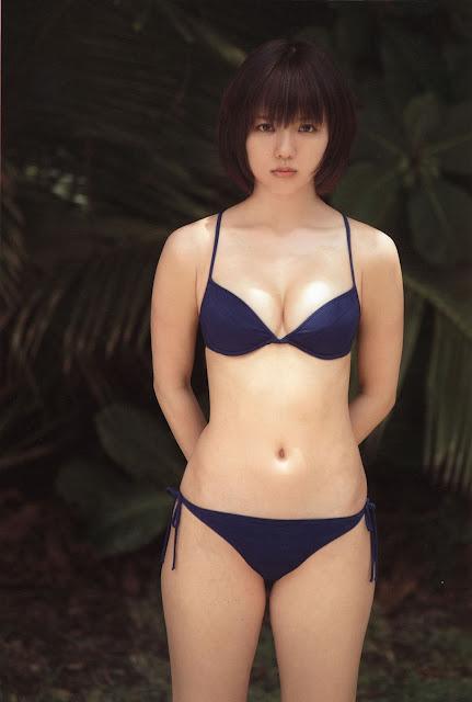 Erina Mano 真野恵里菜 Photos 01