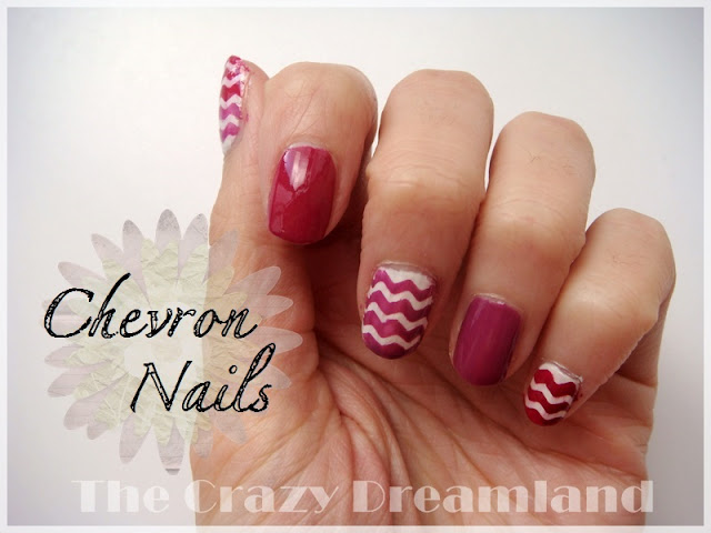 chevron-nails