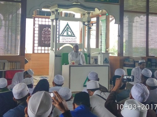 Penjelasan Habib Rizieq tentang sikap Nabi terhadap jenazah orang munafik