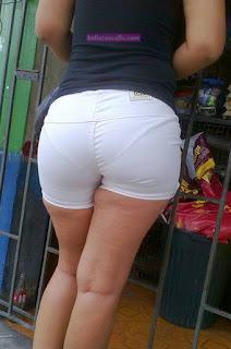 Leggins blancos transparencia calzon a rayas culazo negra