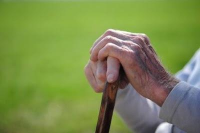 Η οικονομική κρίση έφερε αύξηση της γήρανσης του πληθυσμού στην Ήπειρο - : IoanninaVoice.gr