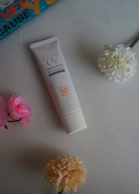 TSM Recommends: Biore UV Whitening Essence Review