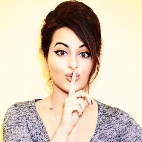 sonakshi sinha age biography mother family weight father