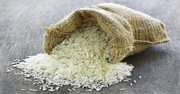 Take A Look Why Snacking On RAW RICE Can Be Bad!