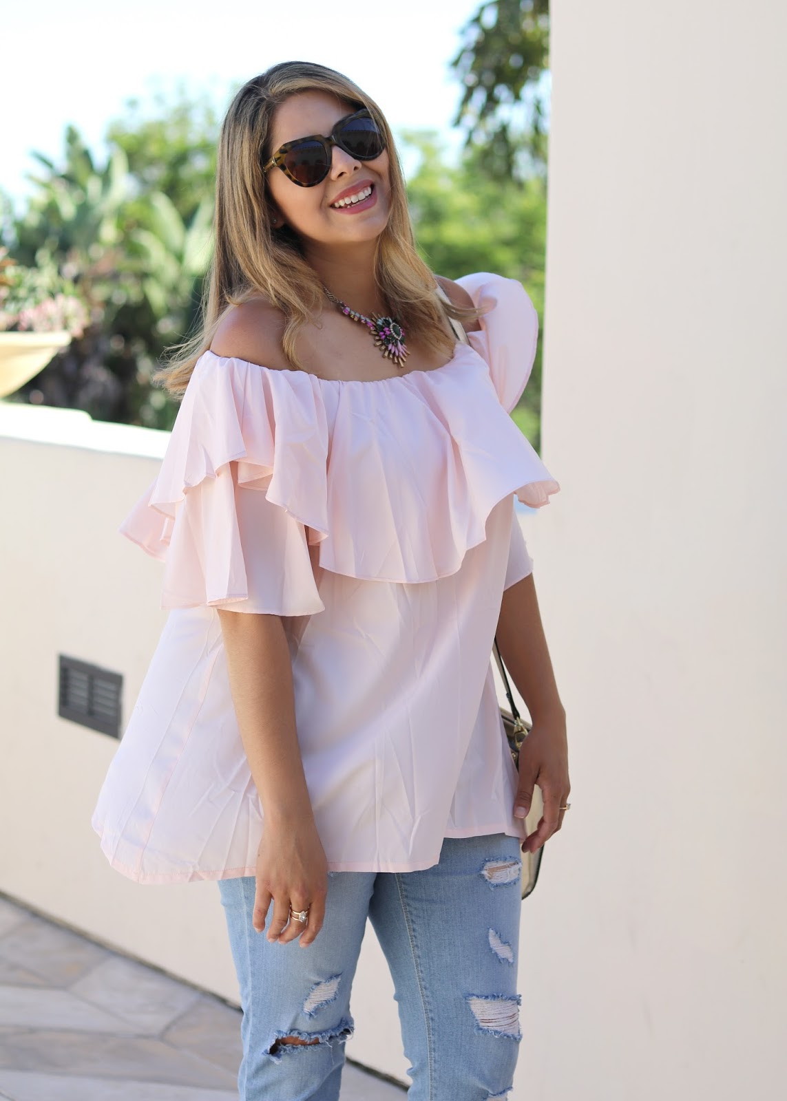 Chicwish pink top, chicwish blogger, karen walker sunglasses, latina fashion blogger, pink statement necklace