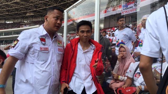 Acungkan 2 Jari, Seorang Pria Diamankan Saat Kampanye Jokowi di GBK