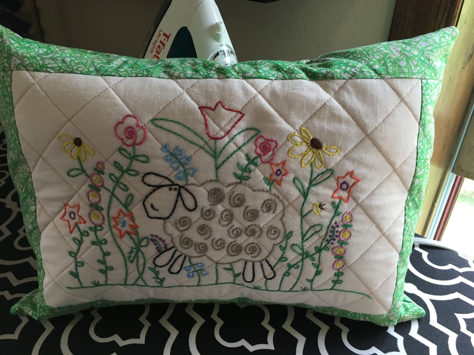 Tanya Quilts In Co Pillow Party