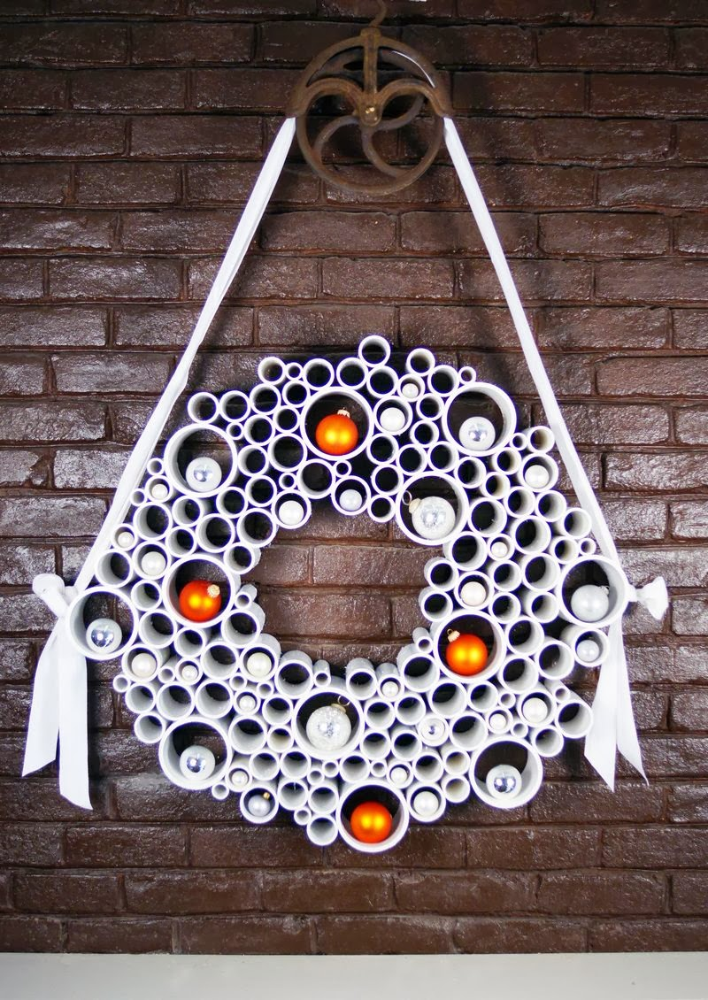 the art of up cycling diy christmas wreaths fab quirkey homemade upcycling ideas. Black Bedroom Furniture Sets. Home Design Ideas