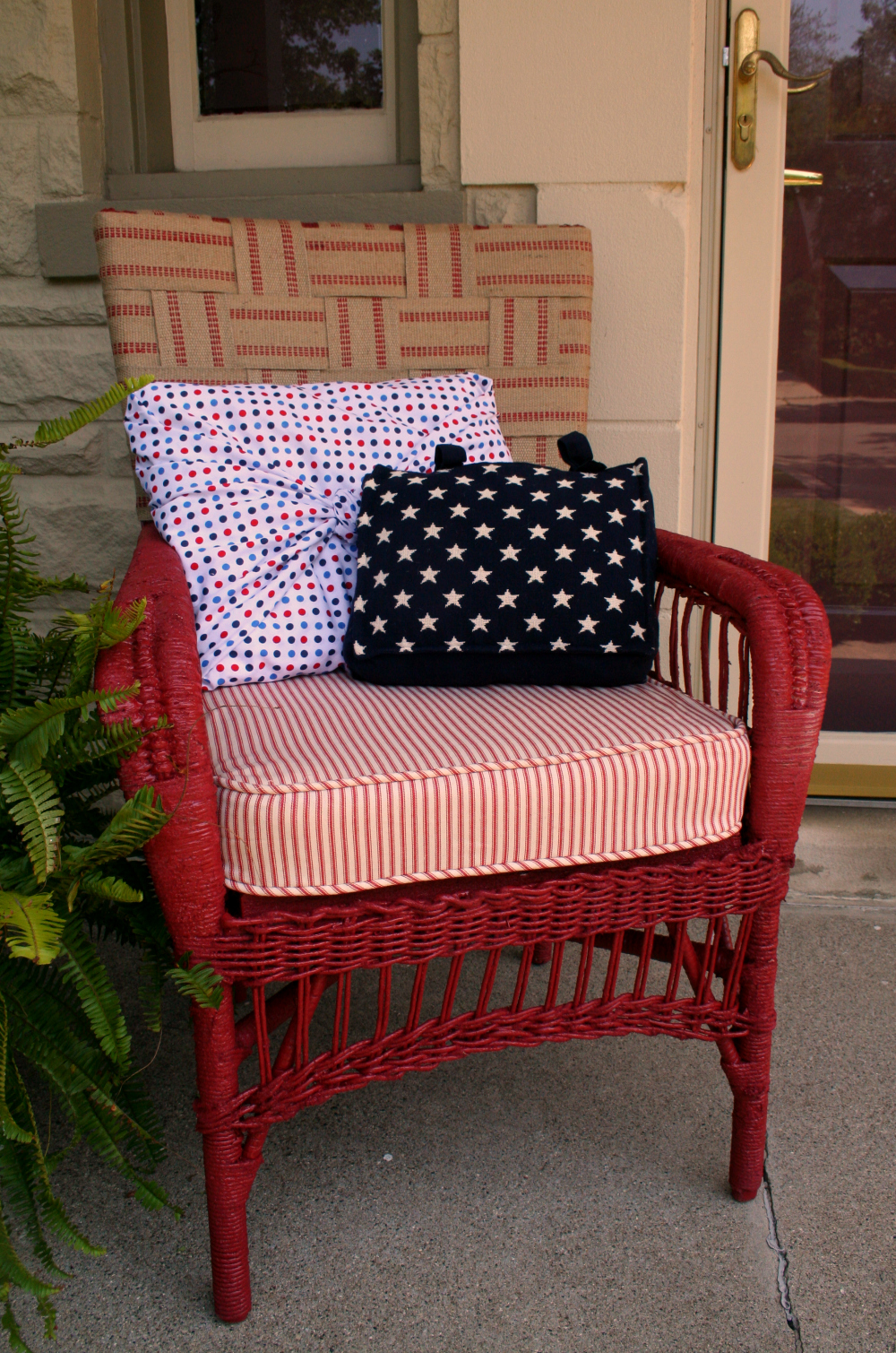 chair covers ny rental chicago somewhat quirky: new pillows for my back porch - march fab furniture flippin contest!