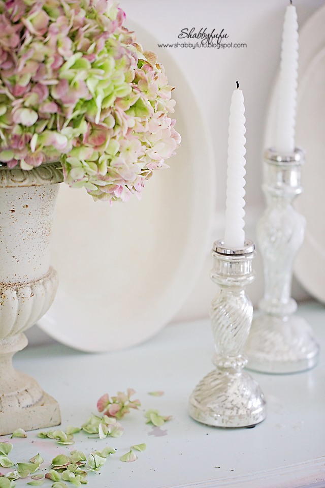 These soft pink and green hydrangeas breathe a breath of color into my fall vignettes.