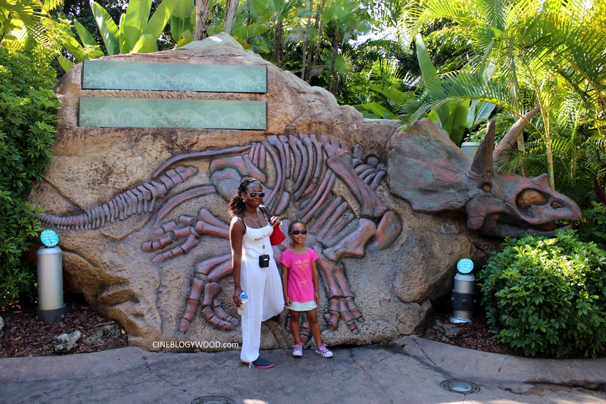7 Inspiring Kid Room Color Options For Your Little Ones: CINEBLOGYWOOD: Universal Orlando : Welcome To Jurassic Park