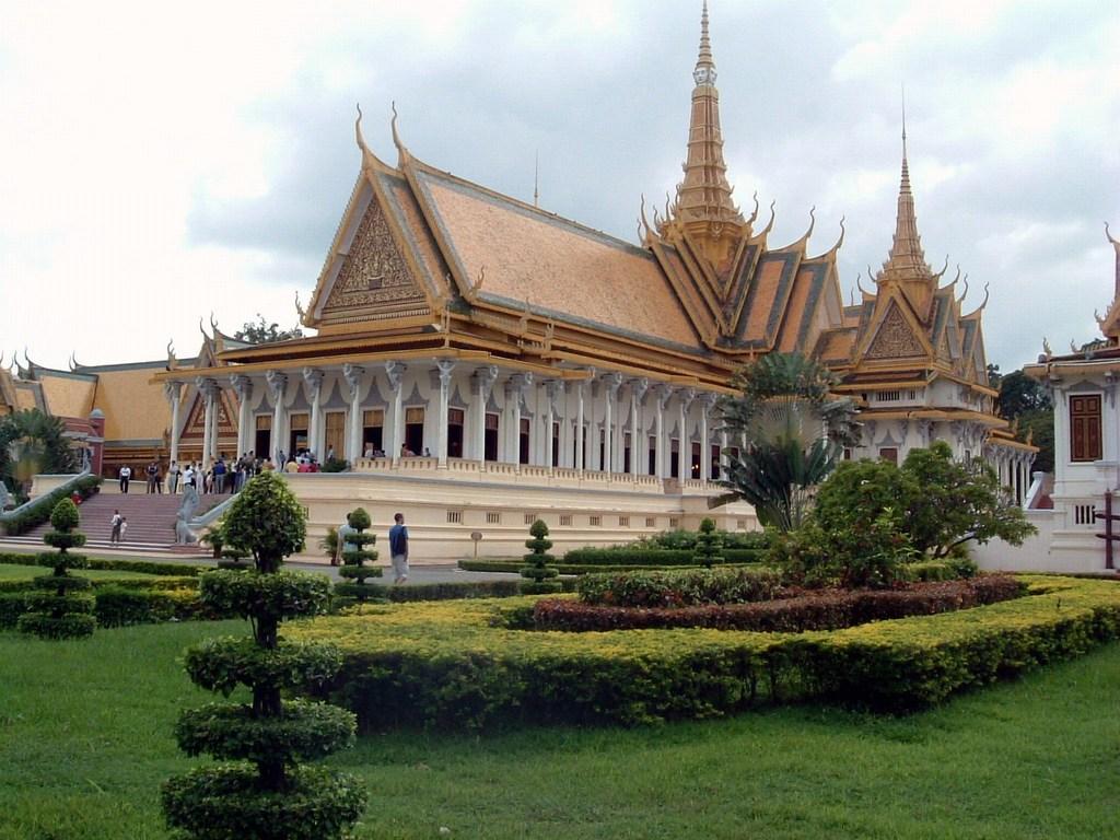 World Beautifull Places: Phnom Penh Palace