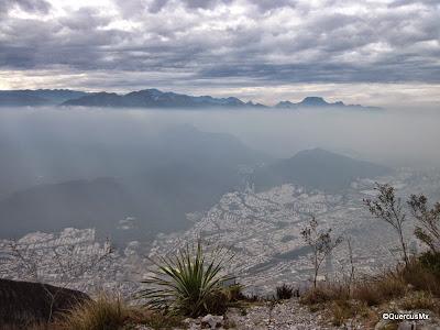 Vista parcial de Monterrey, NL desde el Pico Norte del Cerro de la Silla